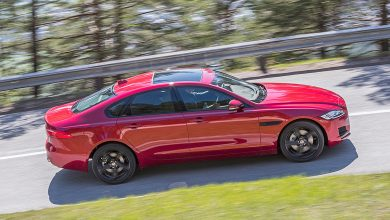 Photo of Jaguar XE und XF 2.0d XE AWD (2016)